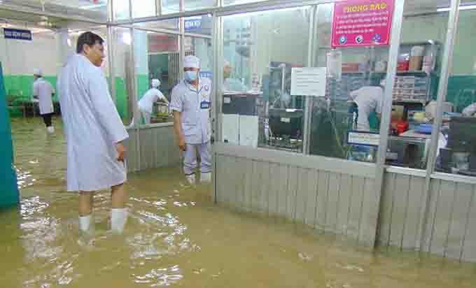 Dân chơi 0 sợ mưa rơi ....hay lũ lụt!  Attachment