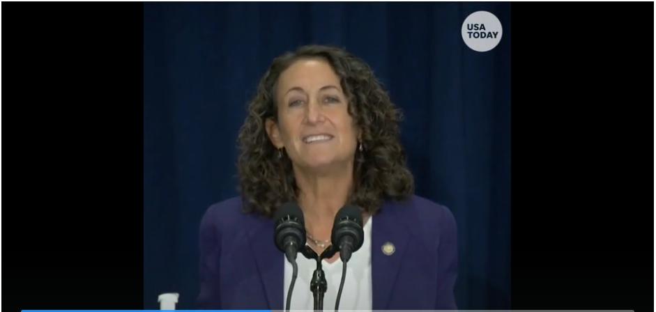 FACT CHECK: Video lan truyền cho thấy các nhân viên phòng phiếu PA đang sửa các lá phiếu bị hỏng