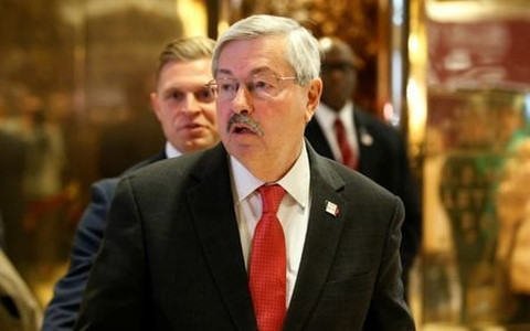Click image for larger version Name: branstad_aapu.jpg Views: 0 Size: 37.9 KB ID: 969518