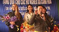 Click image for larger version Name: ti_phu_hoang_kieu_khong_tang_nha_cho_nguoi_ngheo_nhu_da_cam_ket_53148_hoang-kieu_resize.jpg Views: 0 Size: 218.9 KB ID: 978240
